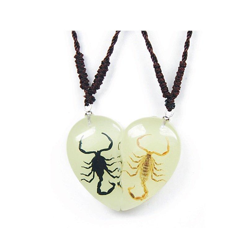 Scorpion Freindship Set Glows In Dark Necklaces RILSD01y01